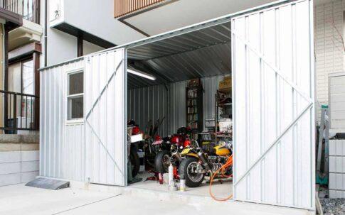 バイクガレージ